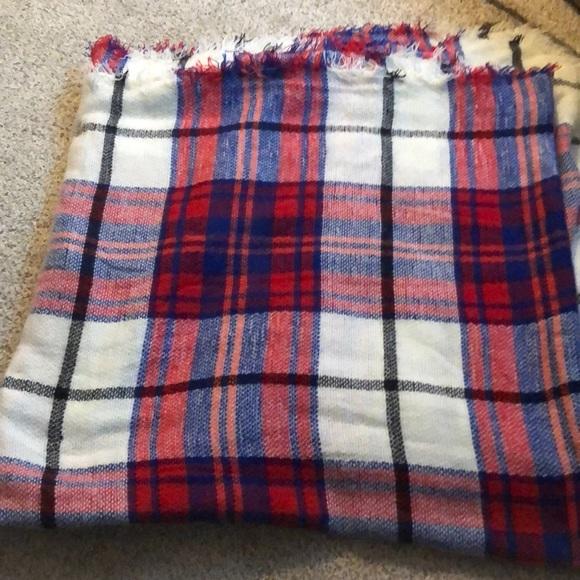Aeropostale Accessories - plaid printed winter knit scarf